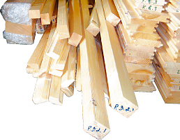 ミニログハウスの特長 その8 細かな木材パーツも完備
