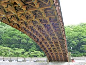 木造橋にびっくり!