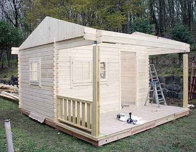 小屋をセルフビルドしよう!~屋根・床はパネルなので組み立て簡単~
