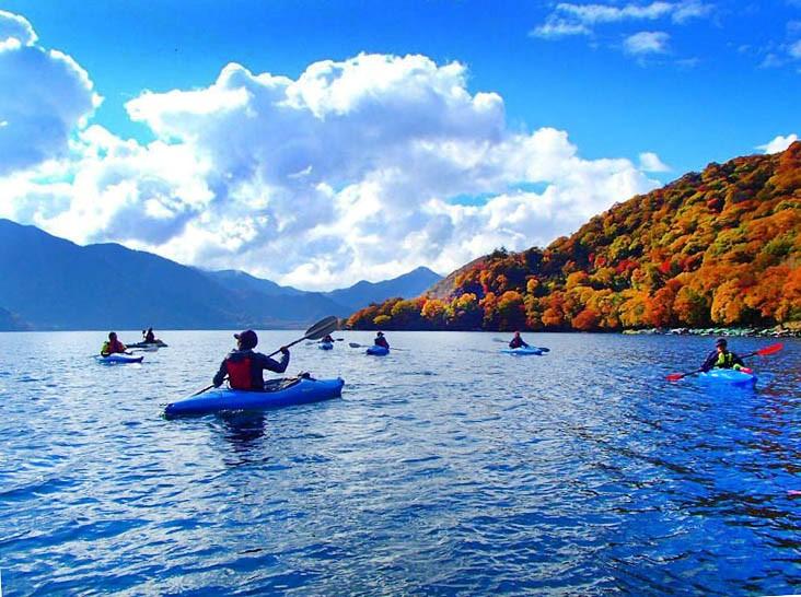 秋の中禅寺湖へ