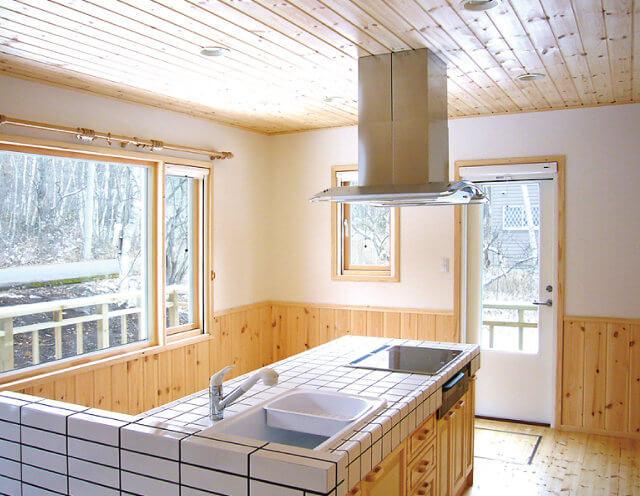 ログハウスはコテージや別荘としても利用可能!~メリット満載のセルフビルドもおすすめ~