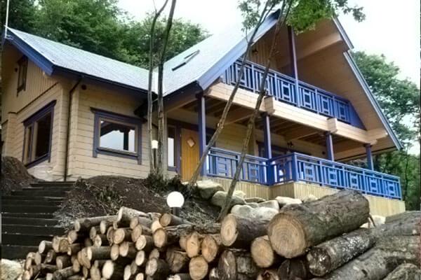 小屋タイプのおしゃれなログハウスなら【ビックボックス】へ~木造のキットをご用意~