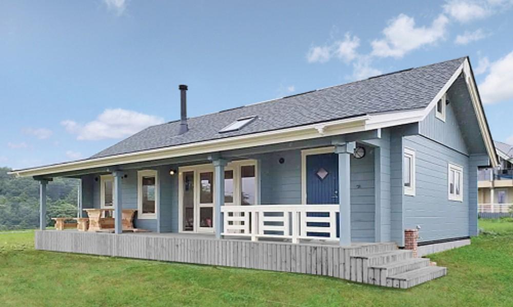 人気の折れ屋根ログハウス北欧カントリースタイルの美