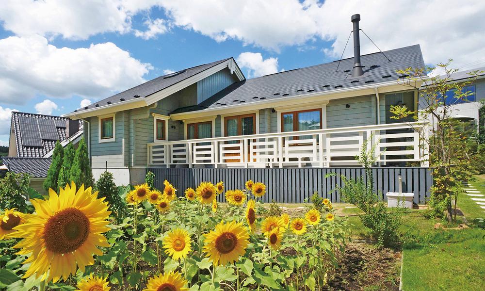 家庭菜園を楽しむ平屋ログハウスの極