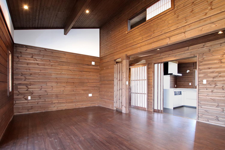 古民家ログハウス 熊野 屋内2(リビング)